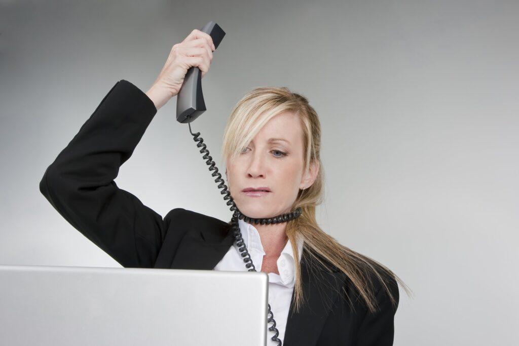 Що робити коли дзвонять колектори