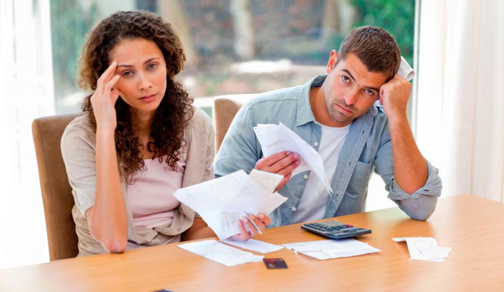 Що робити, якщо угода чоловіка з банком порушує права дружини?