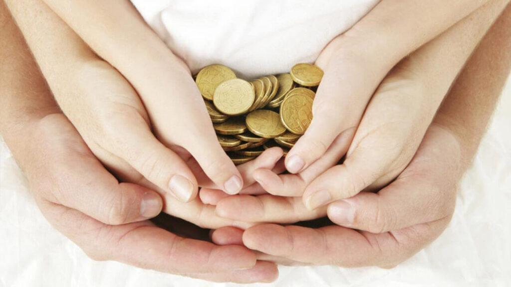Чи відповідають батьки за кредит дитини?